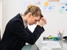 businesswoman-upset