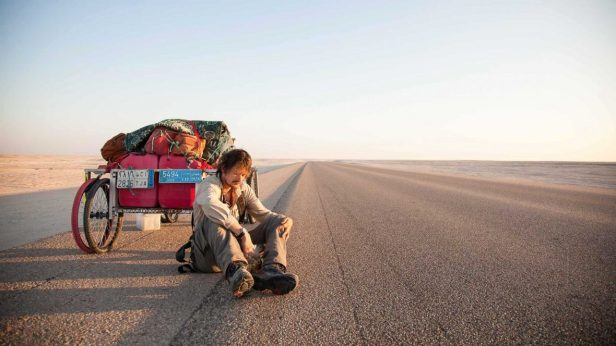 Travel-routines-Taking-a-break-from-the-heat-of-the-day-in-the-Empty-QUarter-desert-our-ritual-to-keep-sane-Photo-credit-Leon-McCarron-1180x664