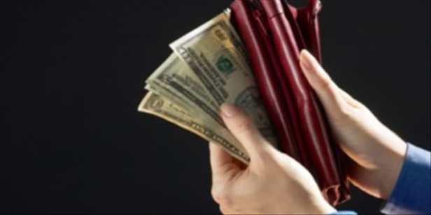 4373-money in wallet_edited.630w.tn